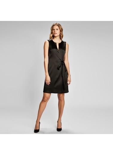 Vekem-Limited Edition Kolsuz Omuzu Taş Detaylı Elbise Siyah